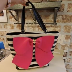 Betsey Johnson large bow tote